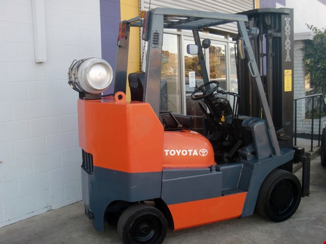 Used Toyota Cushion Tire Forklift