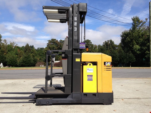 Used Cat Narrow Aisle Forklift